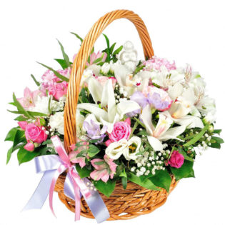 Цветы в корзинке «Нежное признание»